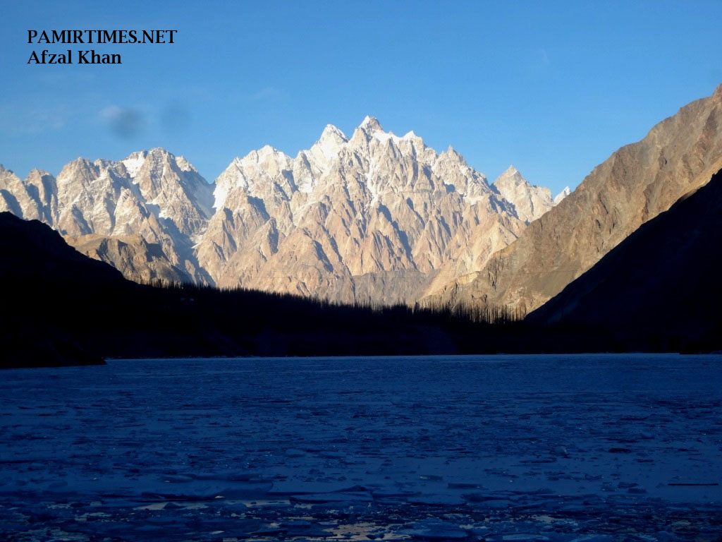Pictorial – Some spectacular photographs of the dammed Hunza River
