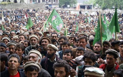 Pro-Musharraf rally attended by thousands of people in Chitral