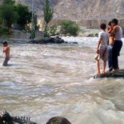 Young boys swimming in the Gilgit river  Photo: Hidayat Ullah Akhtar