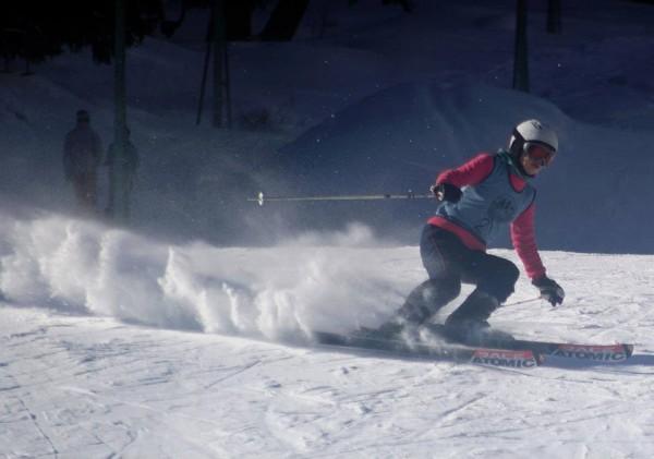 Fatima Suhail skiing in Naltar