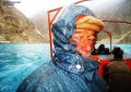 [Pictorial] Traveling through the frozen Hunza River