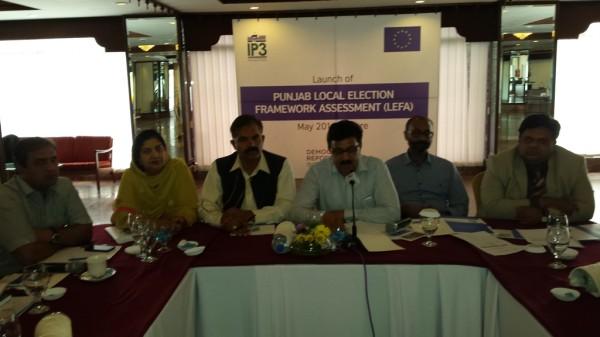 The forum participants included legislators, civil society representatives and media personnel