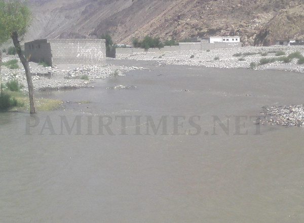 Water from the Ghizar River has entered a settlement called Musa Abad Colony in Jagir Baseen area of Gilgit