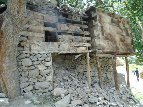 A ready-to-collapse residential structure after the earthquake
