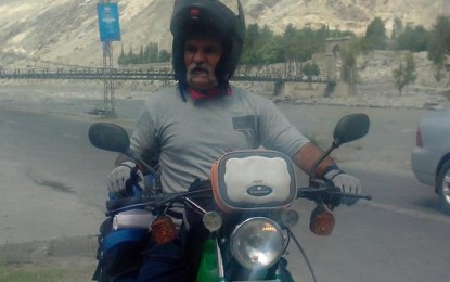 Defence Day: Motorcyclist starts journey from Gilgit to pay tribute to martyrs of Pak Army