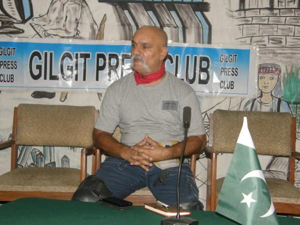 Gilgit: Mukarram will travel on his bike from GB to Karachi in 15 days