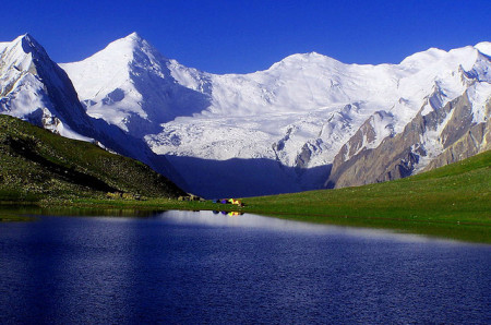 Rush lake is one of the many tourists attractions of Hoper Valley