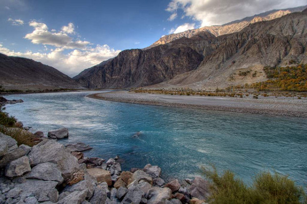 Mountain communities in northern Pakistan's Ghizer district face growing threats from floods, landslides and earthquakes, says the first report on the vulnerability of the region (Photo by Yodod)