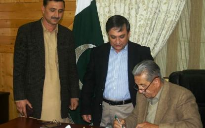 Gilgit-Baltistan governor signs Local Govt bill into law