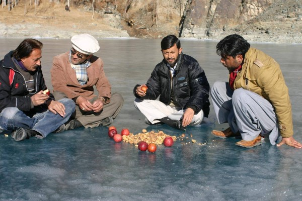 Tourists also come to the lake to enjoy the winter season