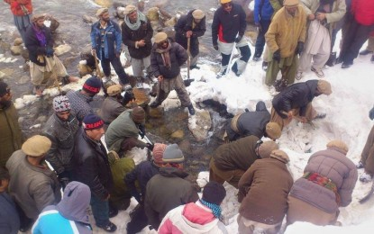 Astore: Dead bodies of two youth killed by snow avalanche recovered