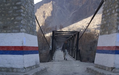 Hundreds of people came out to restore road and bridge in Sosam & Karimabad villages
