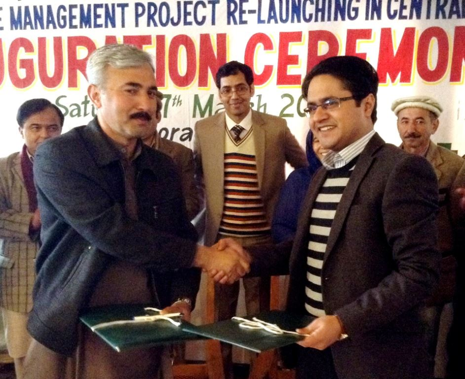 2- Mr. Musa Raza AC Hunza Nagar and Dr. Babar Khan,  Directore KADO during the agreement of   re-launching ceremony of public private partnership solid waste management project in centeral Hunza