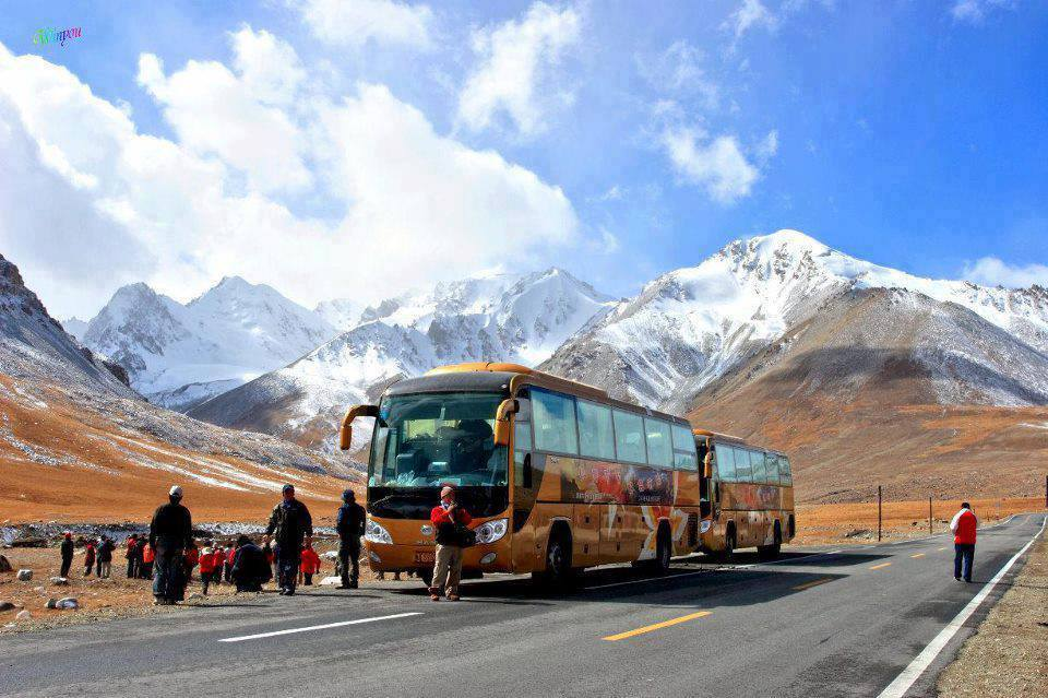 Every year tens of thousands of tourists from mainland China come to the Khunjerab Top. However, they do not enter Pakistan because of visa restrictions and other protocols. Locals have been demanding to allow the tourists entry into Gilgit-Blatistan