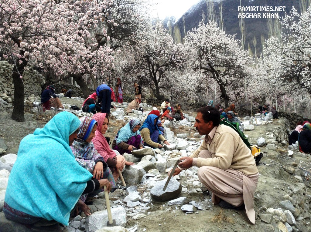 The training, according to the organizers, will enable the women to earn livelihood for their families with dignity