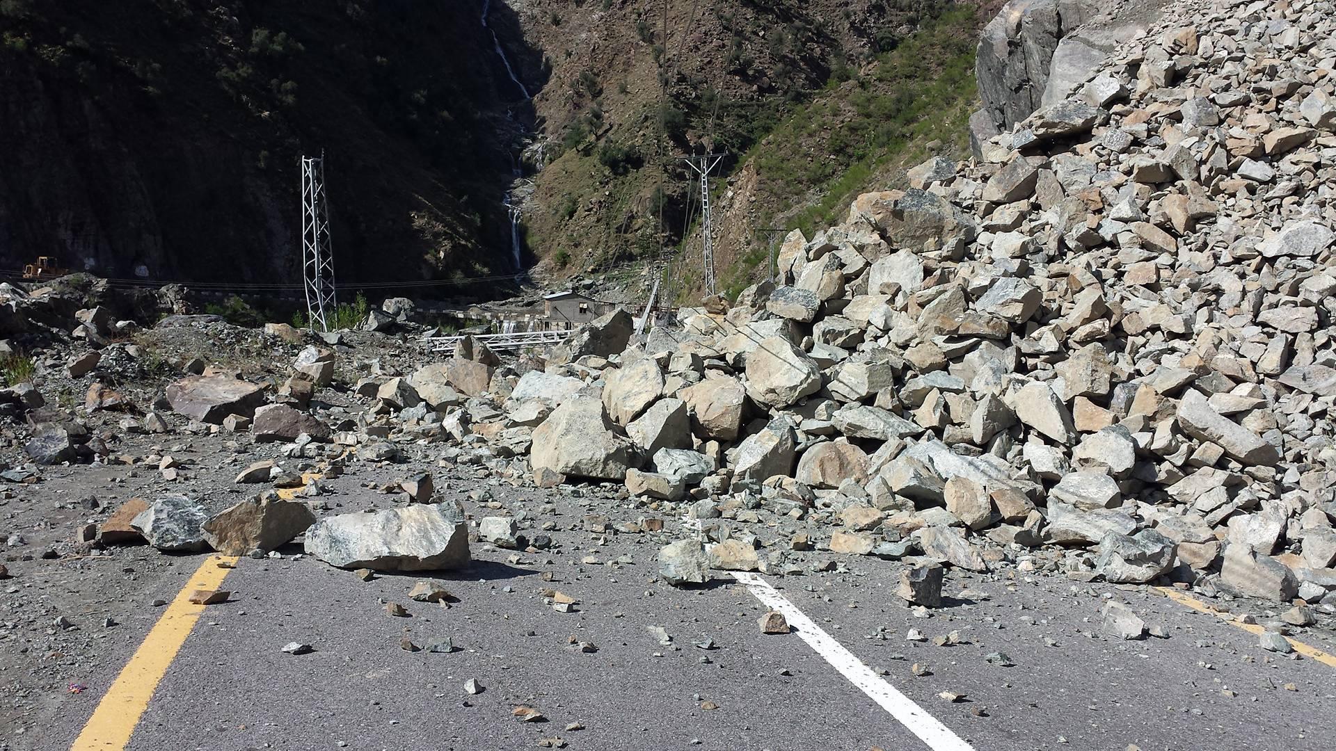 Karakuram Highway Gilgit (10)