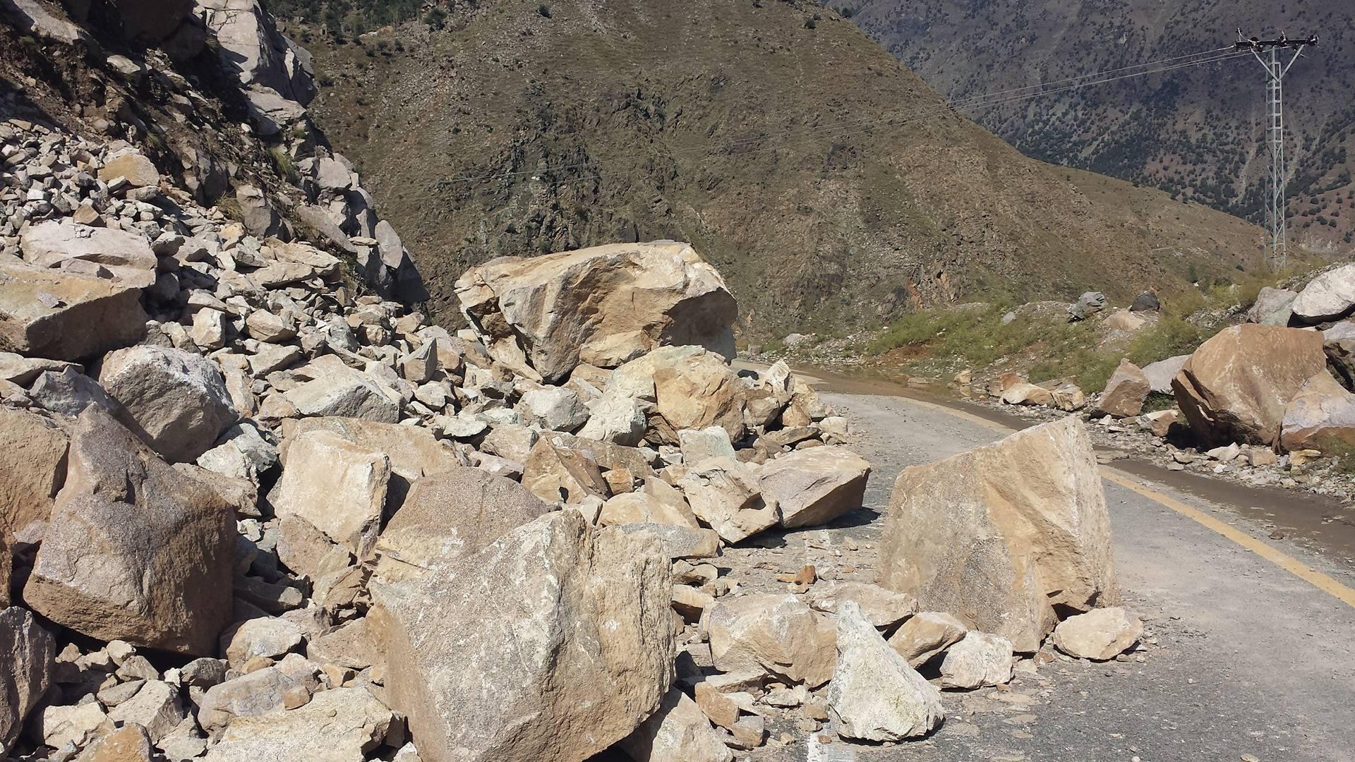 Karakuram Highway Gilgit (8)