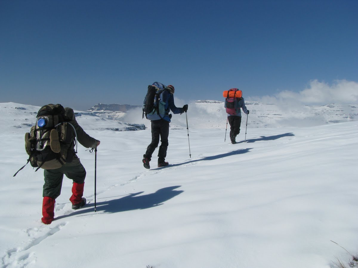 Alpine Club to hold snow hiking contests