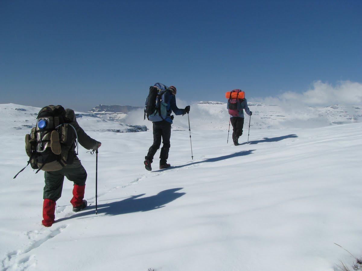 Back to Nature in Utah | Bear Tracks |Hiking Snow