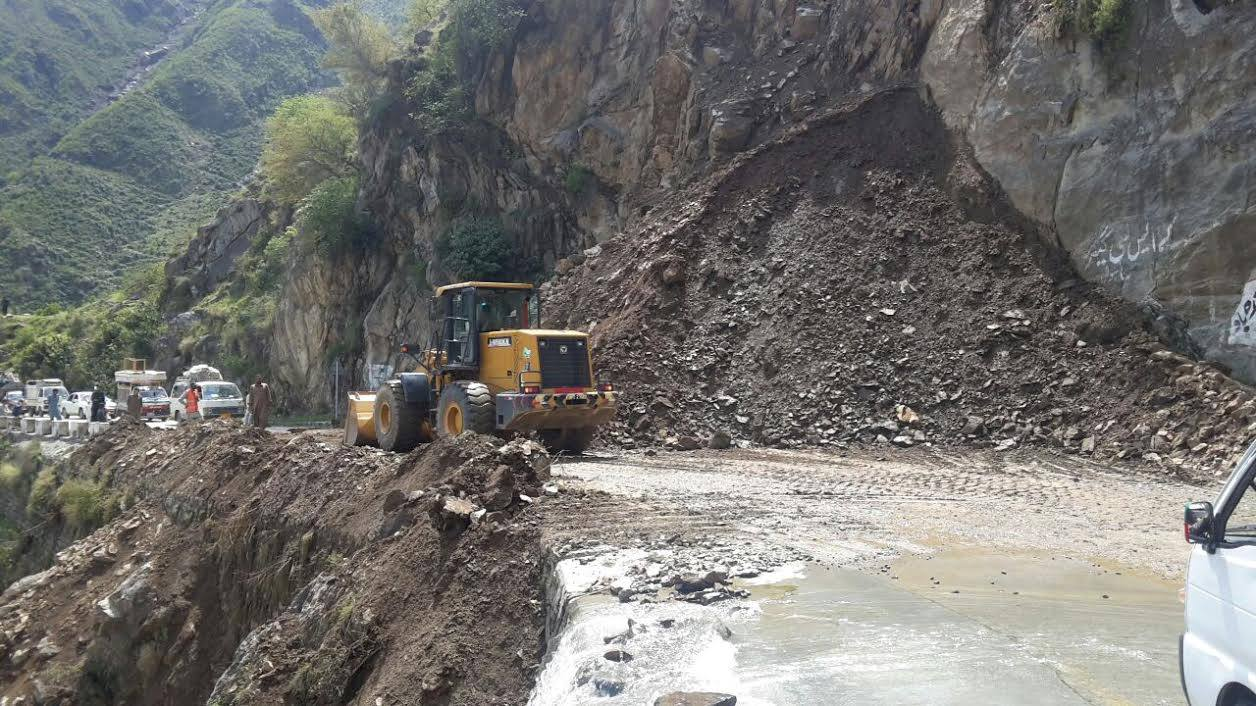 Karakoram Highway opened for traffic after 13 days