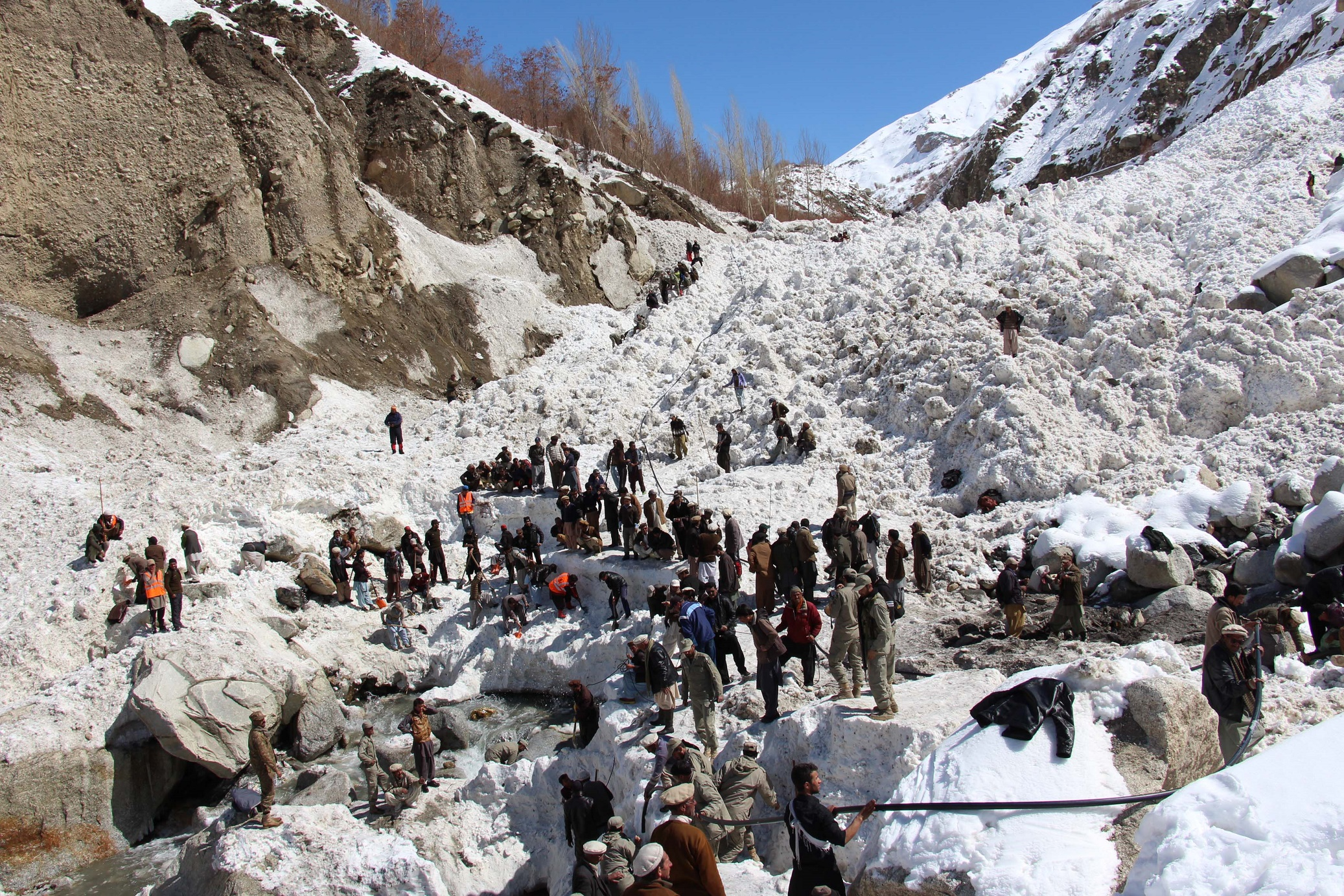 Dead bodies of two more students recovered from Susum Valley avalanche debris