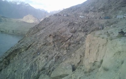 Skardu: No trace of car accident victims found