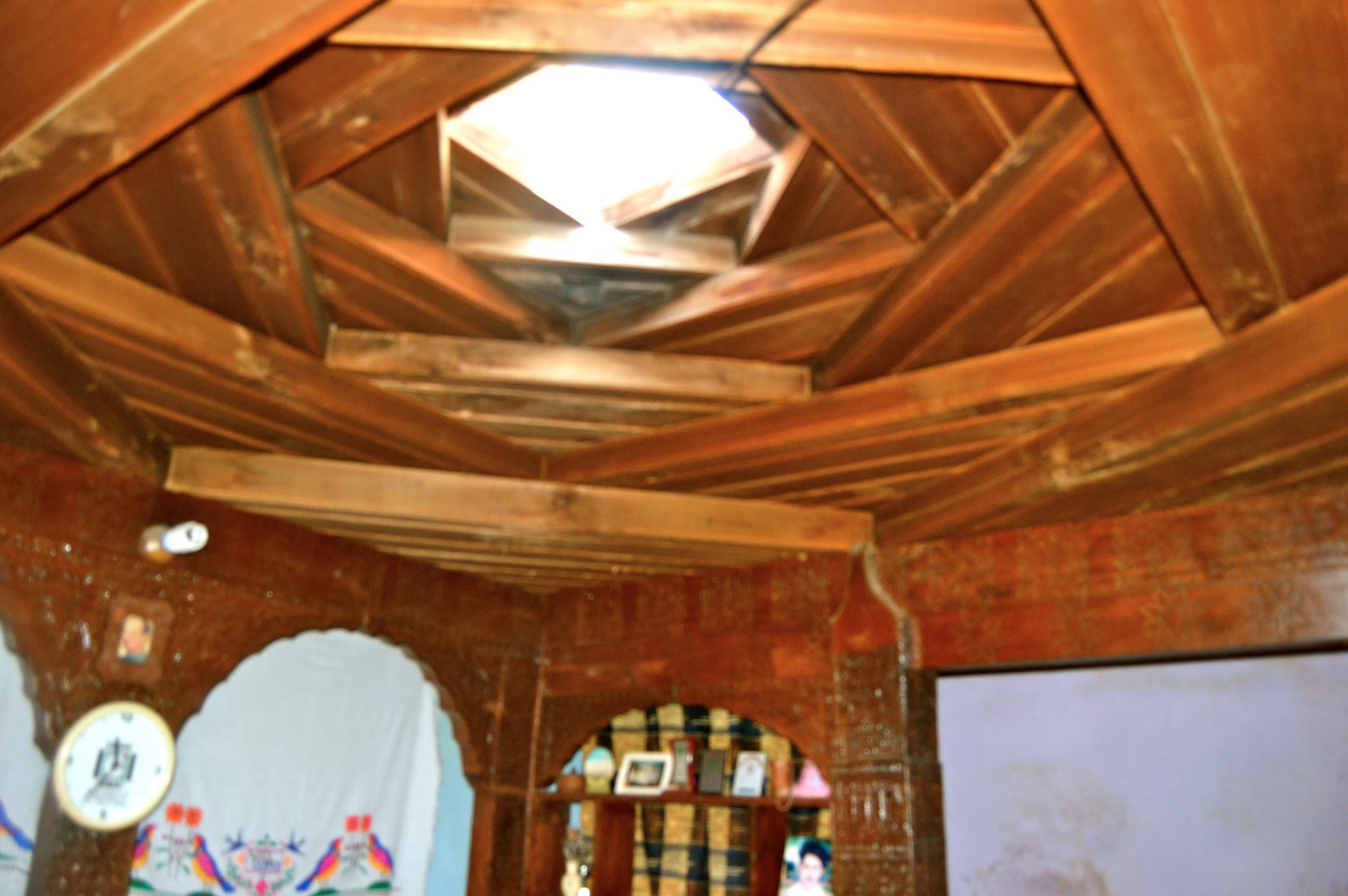 traditional-house-pamirtimes-feature-1