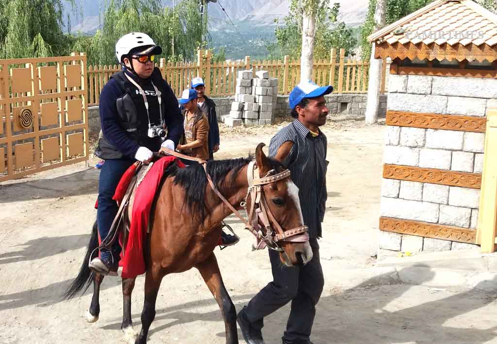chinese-tourists-in-hunza-5