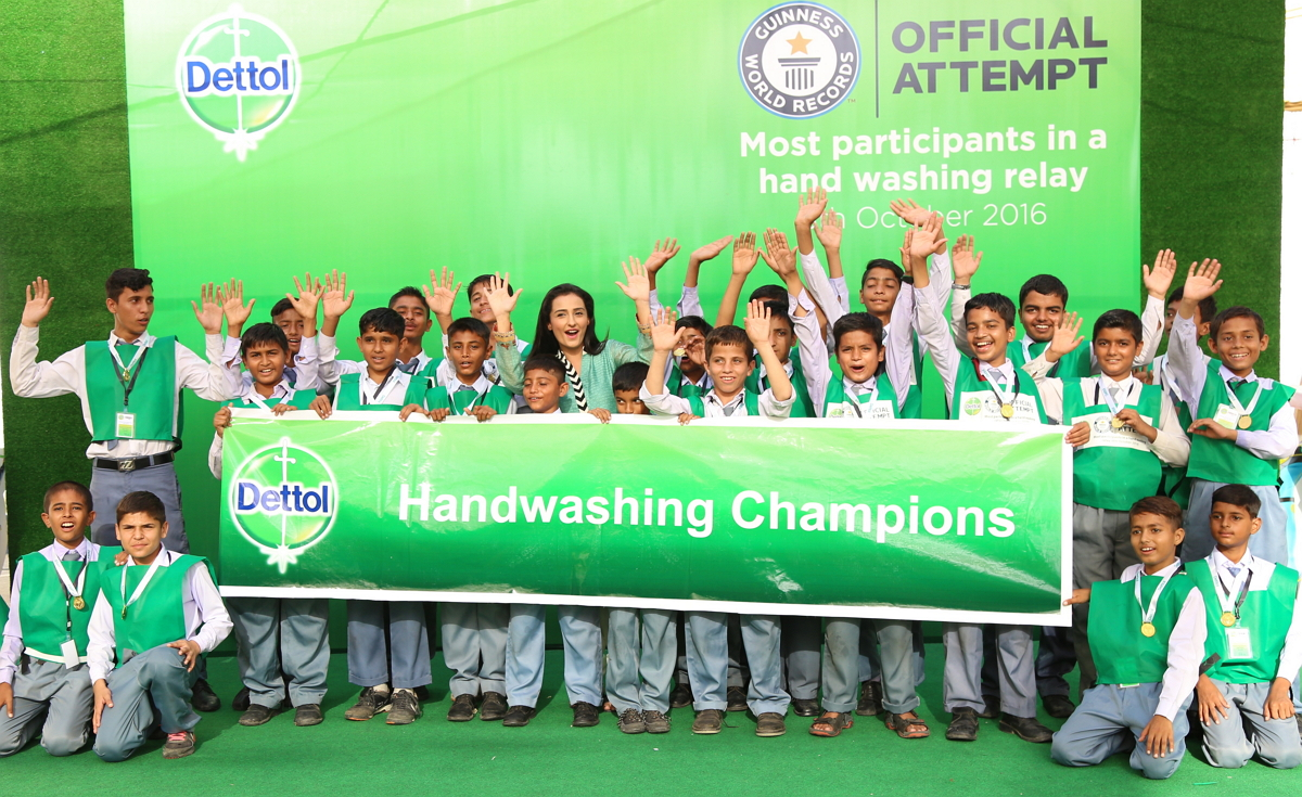 Pakistan sets Guninese Record on World Handwashing Day