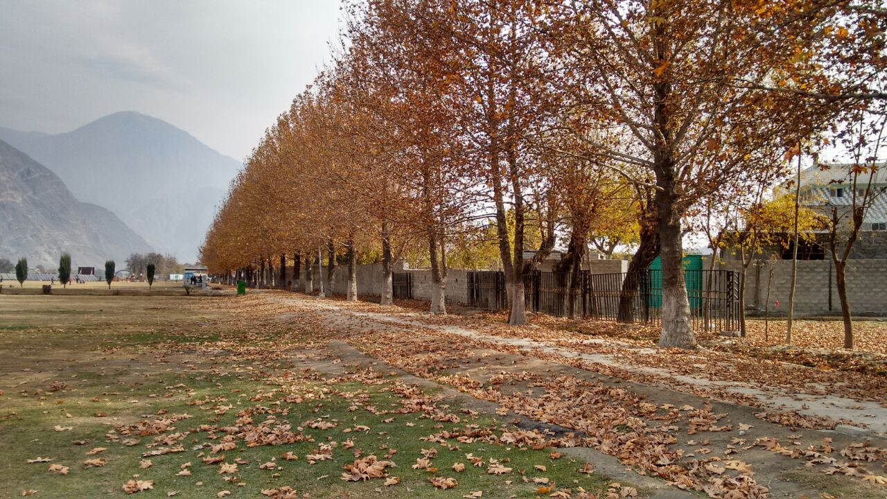 autumn-in-gilgit-city-11