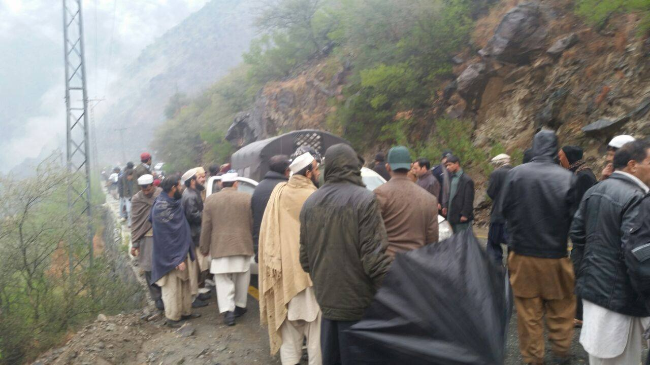 Kohistan: Four members of same family killed in a car accident on KKH near Pattan