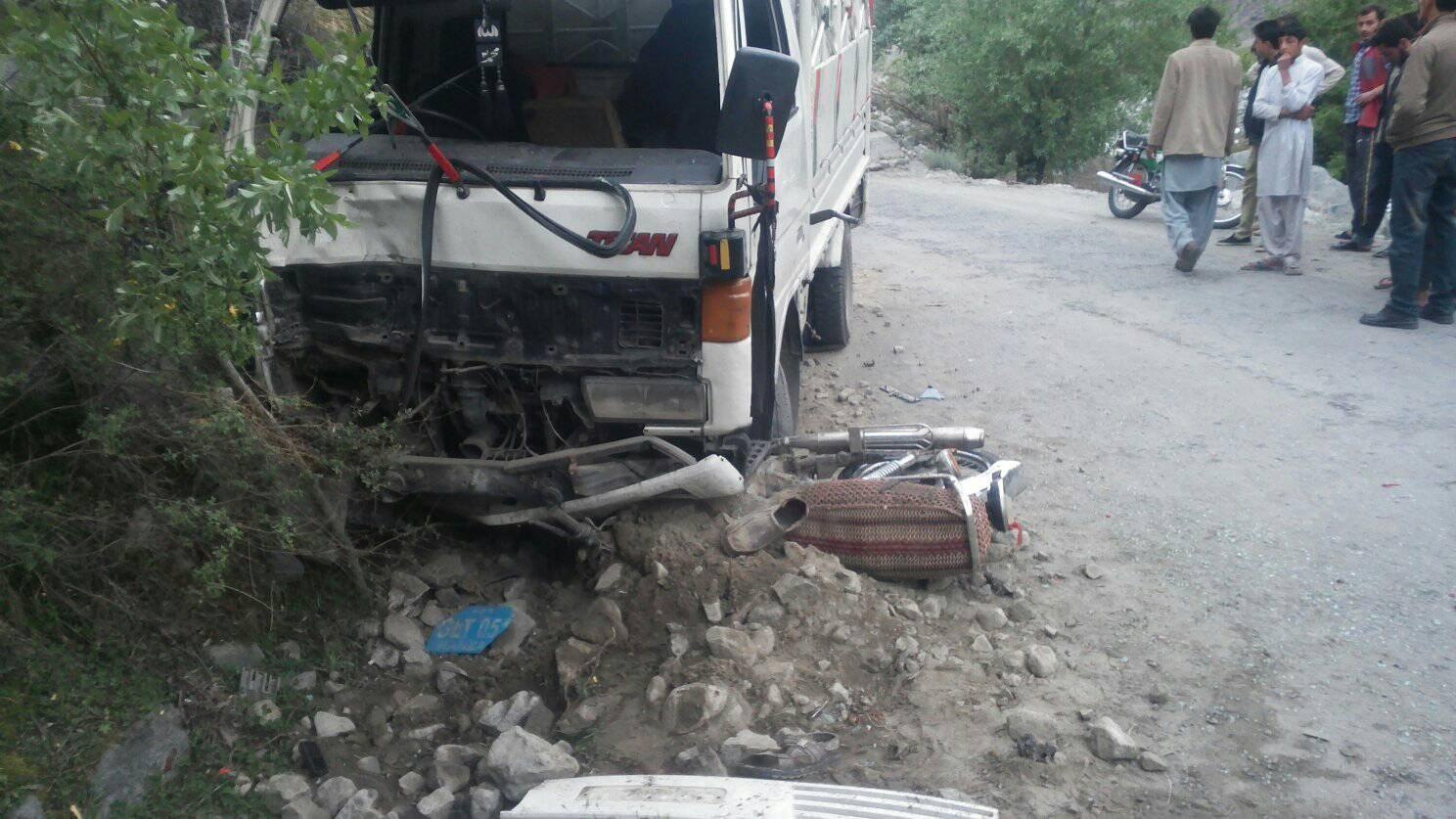 Ghizer: Two youth killed as bike collides with mini truck