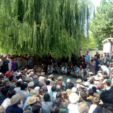 Darel Valley's elders and notables pledge to fight against militants, request arms from govt